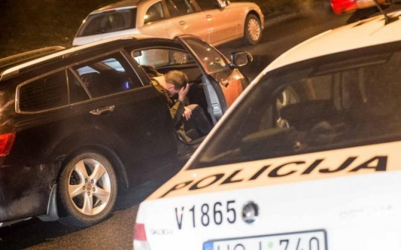 Baigėsi terminas: nuo balandžio policija nepavyzdingus vairuotojus baus be gailesčio