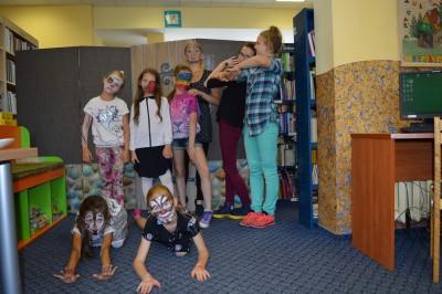 Smelynes bibliotekos stovyklautoju aqua makiazo diena-001