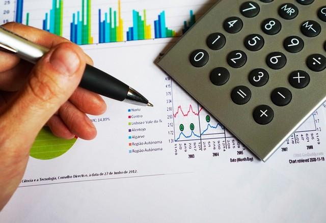 Kaip atsikratyti skolų ir išmokti valdyti asmeninius finansus?
