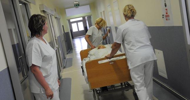 Gydymo įstaigos vadovo uždarbį siūloma susieti su darbuotojų atlyginimais