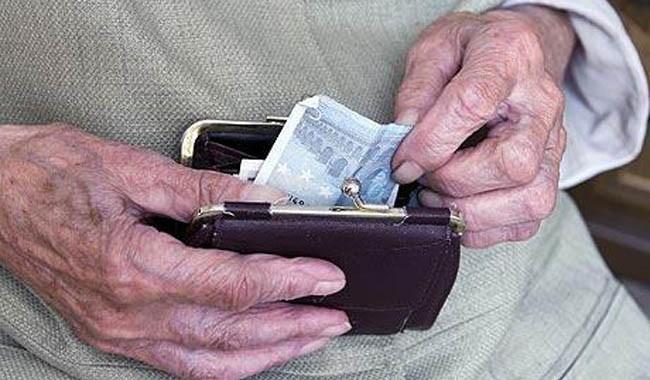 Numatoma teisę į antrojo laipsnio valstybinę pensiją suteikti ir daugiavaikiams tėčiams