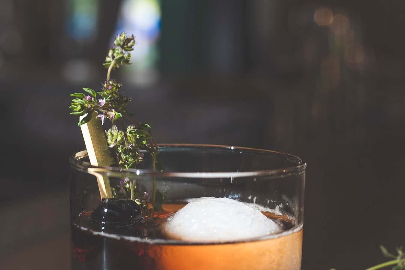 Romas – gėrimas ne tik kokteiliams. Kaip jį gerti?