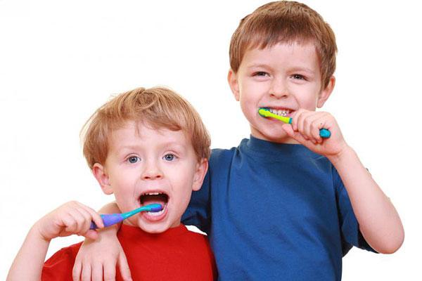 Odontologė: šventinius saldumynus padėjus į šalį, metas susirūpinti vaikų dantimis