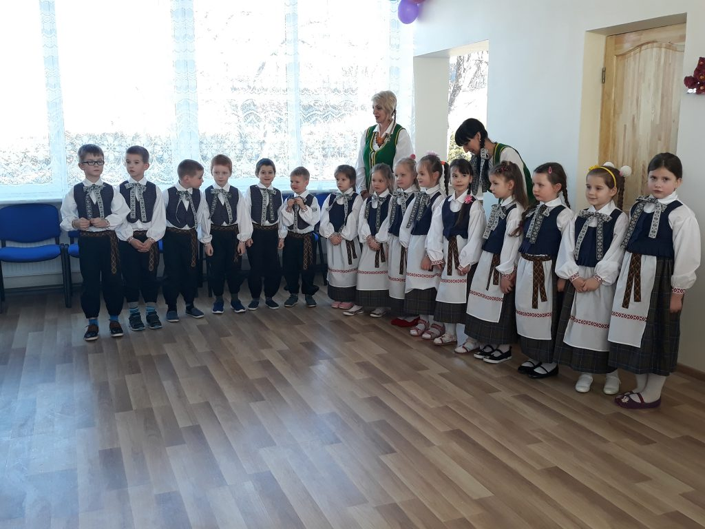 Lietuvos žmonės Juodupės vaikams padovanojo naują dienos centrą