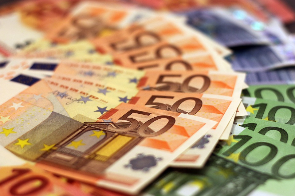 """Už tai, kad neatskleidė informacijos investuotojams, """"Panevėžio statybos trestui"""" – 40 tūkst. eurų bauda"""
