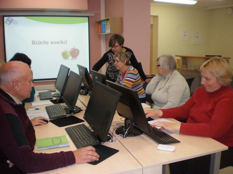 Kviečiame gyventojus atrasti kompiuterio ir interneto galimybes