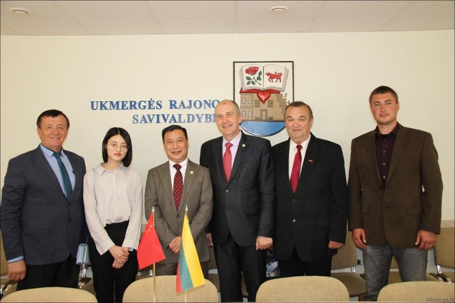 Ukmergėje viešėjo Kinijos ambasadorius Shen Zhifei