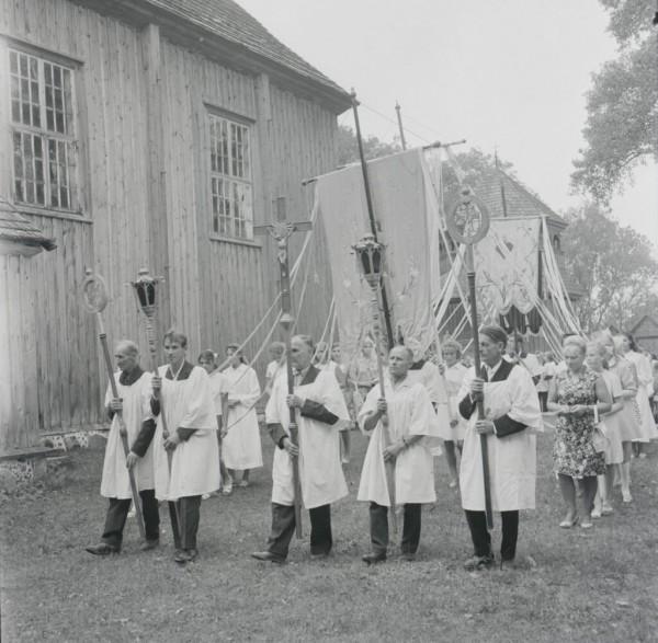 Šv. Lauryno atlaidai Palūšėje. Procesija. 1971 m. rugpjūčio 8 d. Fot. M. Baranauskas. LNM